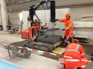SBB Hauptbahnhof Zürich Verlegung Granitplatten 100x100x3 cm maschinell